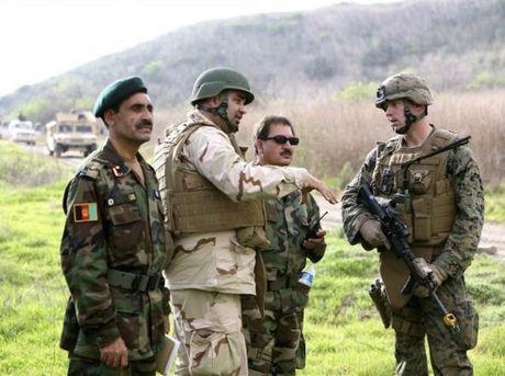 Hang chuc linh Afghanistan mat tich tren dat My - Anh 1