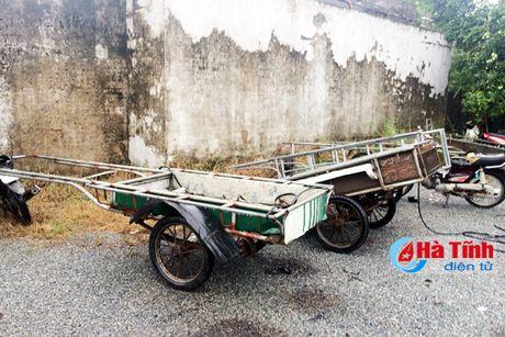 2 ngay ra quan, Cong an TP Ha Tinh thu giu 16 'may chem di dong' - Anh 1