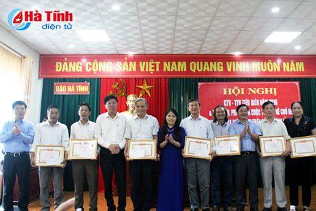 Bao Ha Tinh gap mat CTV-TTV va phat dong thi viet ve nong thon moi - Anh 7