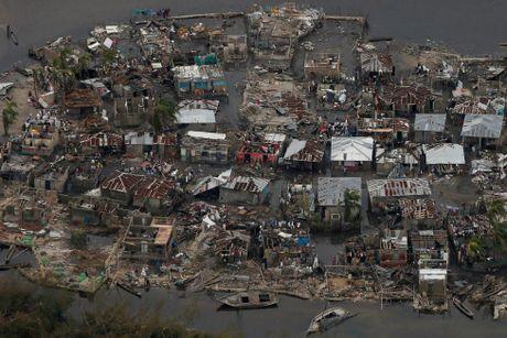 Chum anh: Haiti te liet, 339 nguoi chet vi sieu bao Matthew - Anh 2
