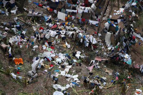 Chum anh: Haiti te liet, 339 nguoi chet vi sieu bao Matthew - Anh 6