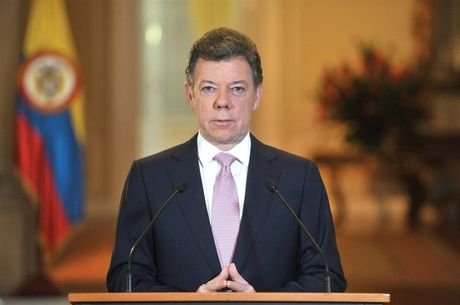 Tong thong Colombia Juan Manuel Santos duoc trao giai Nobel Hoa binh 2016 - Anh 1