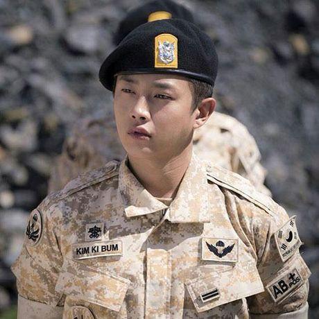 De cu Korea Drama Awards: Choang vang khi Song Hye Kyo va dan sao W, Signal hoan toan vang bong - Anh 3