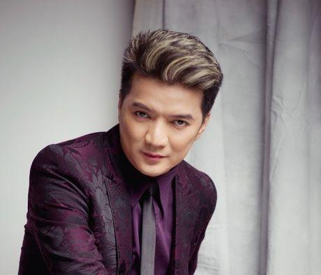 Giao luu truc tuyen voi ca sy Dam Vinh Hung - Anh 1