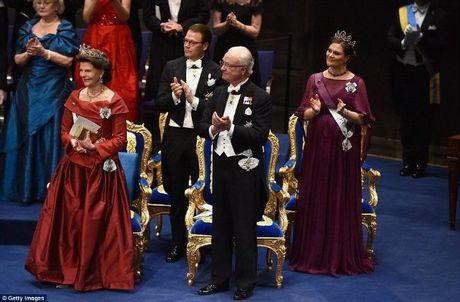 Do xa hoa khong tuong trong tiec chieu dai Nobel - Anh 17