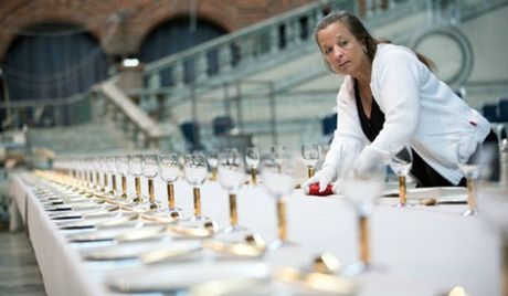 Do xa hoa khong tuong trong tiec chieu dai Nobel - Anh 9