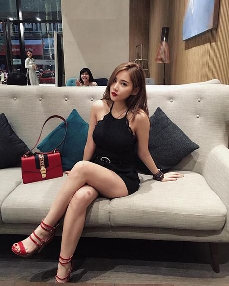 Ban gai tin don cua Tien Dat: Xinh dep, giau co va biet 4 thu tieng! - Anh 16