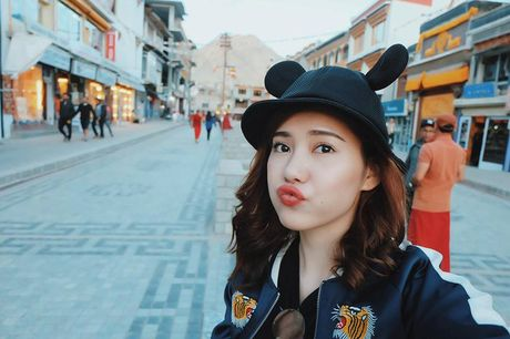 Ban gai tin don cua Tien Dat: Xinh dep, giau co va biet 4 thu tieng! - Anh 3