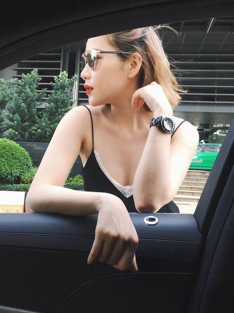 Ban gai tin don cua Tien Dat: Xinh dep, giau co va biet 4 thu tieng! - Anh 7