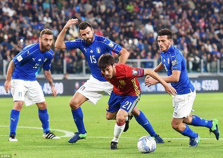 Buffon mac sai lam, Italy may man khong thua Tay Ban Nha - Anh 5