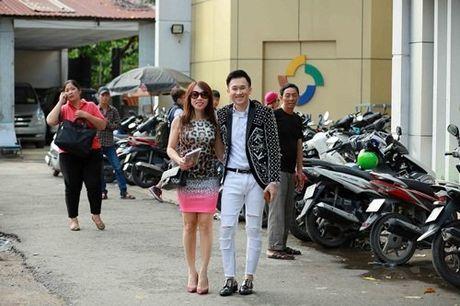 Em gai ruot it biet cua danh hai Hoai Linh lan dau lo dien - Anh 5