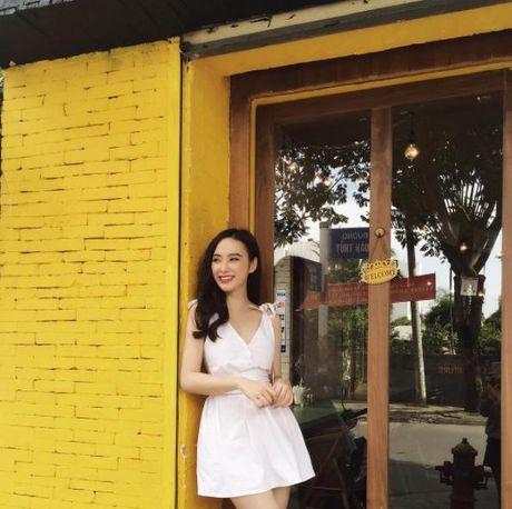 Kho ai co the danh bai duoc vong eo sieu be cua Ngoc Trinh trong street style tuan nay - Anh 14
