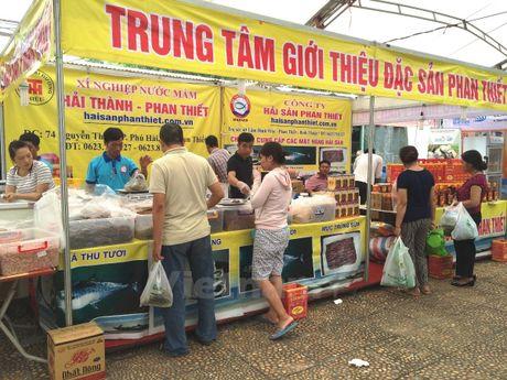 Hoi cho 'Thuc pham-Nong san sach' thu hut nguoi tieu dung Thu do - Anh 9