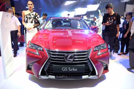 Can canh xe sang loi thue Lexus GS200t 2016 o VMS 2016 - Anh 2