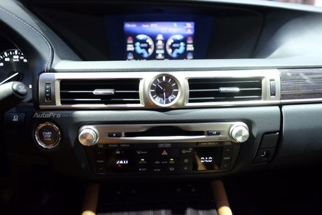 Can canh xe sang loi thue Lexus GS200t 2016 o VMS 2016 - Anh 7