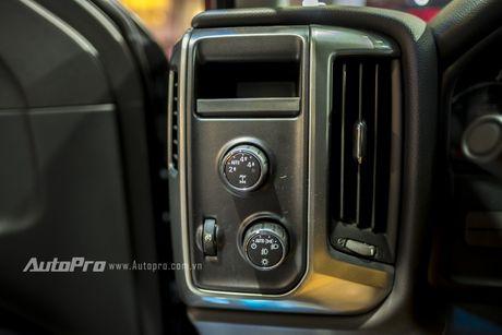Chi tiet tu trong ra ngoai cua 'khung long' Chevrolet Silverado - Anh 16
