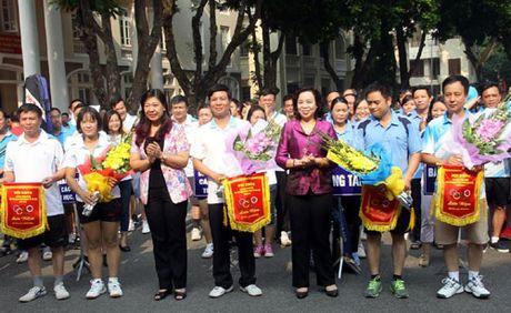 Hap dan so tai tai Hoi khoe can bo, cong chuc cac co quan Dang Thanh uy Ha Noi - Anh 1