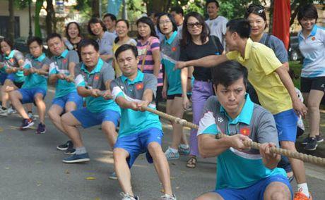 Hap dan so tai tai Hoi khoe can bo, cong chuc cac co quan Dang Thanh uy Ha Noi - Anh 3