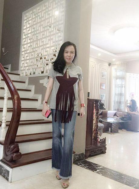 Khong ngo gu thoi trang cua ban gai dai gia Quach Ngoc Ngoan lai 'kho hieu' the nay - Anh 5
