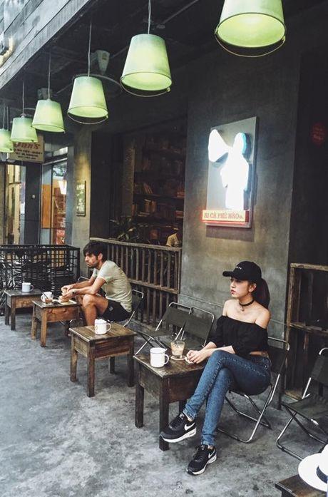 Hotgirl Tay Ninh khien dan mang 'phat sot' vi duong cong 'tu than' - Anh 13