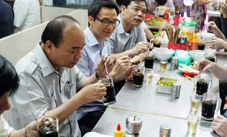Chu quan pho Phu Cuong: 'Toi rat xuc dong khi Thu tuong buoc vao' - Anh 2