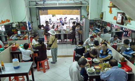 Chu quan pho Phu Cuong: 'Toi rat xuc dong khi Thu tuong buoc vao' - Anh 3