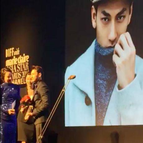 Isaac nhan giai thuong tai lien hoan phim lon nhat Chau A - Anh 1
