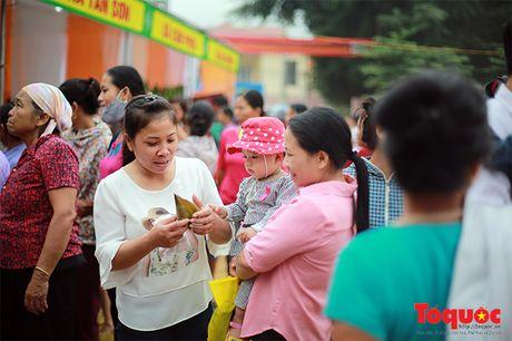 Len cho phien Mai Chau uong ruou ngo, thu do sach - Anh 6