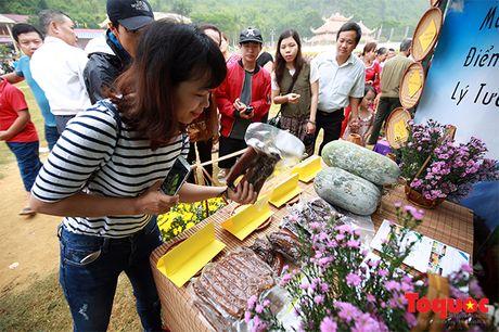 Len cho phien Mai Chau uong ruou ngo, thu do sach - Anh 9