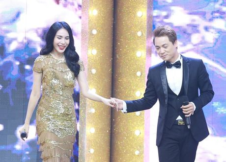 Thuy Tien - Dang Khoi tai hop the hien lai ban hit kinh dien 'Co be mua dong' - Anh 2