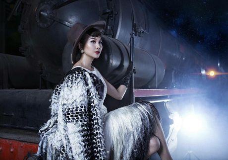 Vietnam's Next Top Model nam nay co mot host Thanh Hang qua tuyet voi! - Anh 1