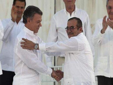 Nobel Hoa binh co mang lai hoa binh cho Colombia? - Anh 1