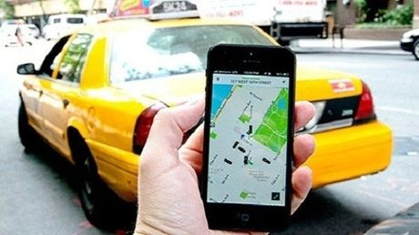 Uber day tai xe cach doi pho voi TTGT - Anh 1