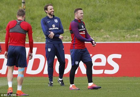 Rooney chac chan da chinh o tran Anh gap Malta - Anh 1