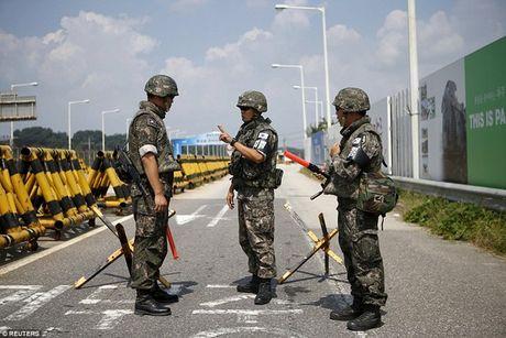 Han Quoc huy dong phuong tien giam sat truoc dip le lon o Trieu Tien - Anh 1