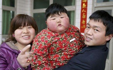 Trung Quoc sap dan dau the gioi ve tre em beo phi - Anh 1
