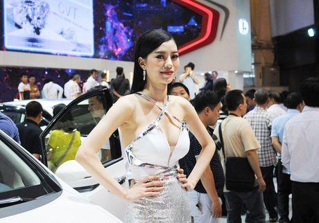 'Bong mat' voi dan my nhan tai Trien lam o to Viet Nam 2016 (P1) - Anh 4