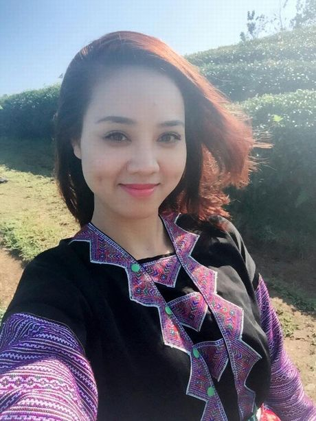Cac hotgirl phai chao thua nhan sac 'ban gai' moi Cong Ly - Anh 12
