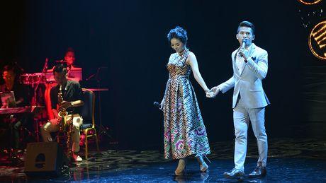 Quoc Thien hat lai hit cua hoa hau Phuong Nga sang tac - Anh 3