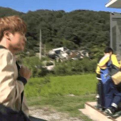 Hinh anh Chae Yeon I.O.I bi quan ly 'bop co' gay tranh cai - Anh 3