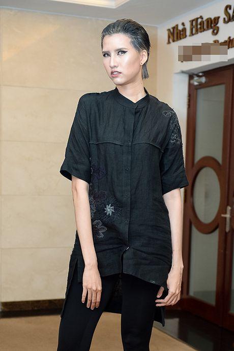 Hong Xuan 1m90 theo Vo Hoang Yen hoc catwalk - Anh 4