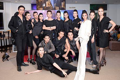 Hong Xuan 1m90 theo Vo Hoang Yen hoc catwalk - Anh 9