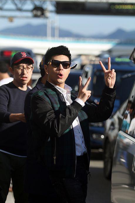Noo Phuoc Thinh da den Busan, gap rut chuan bi cho Asia Song Festival - Anh 9