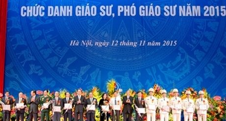Luc luong Cong an nhan dan co them 4 Giao su va 26 Pho giao su - Anh 1