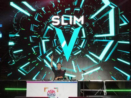 Qua an tuong, BTC Asia Song Festival moi Slim V di 'tang 2' - Anh 5