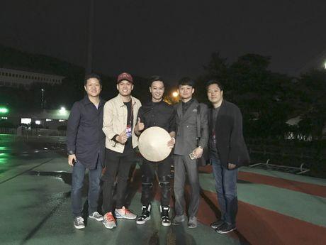 Qua an tuong, BTC Asia Song Festival moi Slim V di 'tang 2' - Anh 7