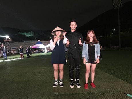 Qua an tuong, BTC Asia Song Festival moi Slim V di 'tang 2' - Anh 8