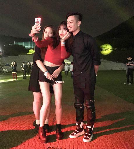 Qua an tuong, BTC Asia Song Festival moi Slim V di 'tang 2' - Anh 9