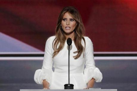 Hon 150 thanh vien dang Cong hoa quay lung voi Trump - Anh 2