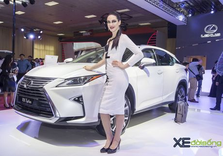 Dan nguoi mau Lexus sac ben nhat Vietnam Motor Show 2016 - Anh 5